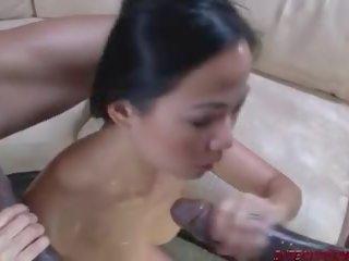 Ασιάτης/ισσα Zo πορνόγαμήσι με μαύρες γυναίκες